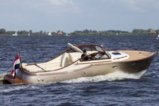 Try this beautiful runabout for a day  French Riviera waters !