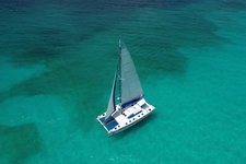 Sail on Cancun's waters for a day you will never forget !