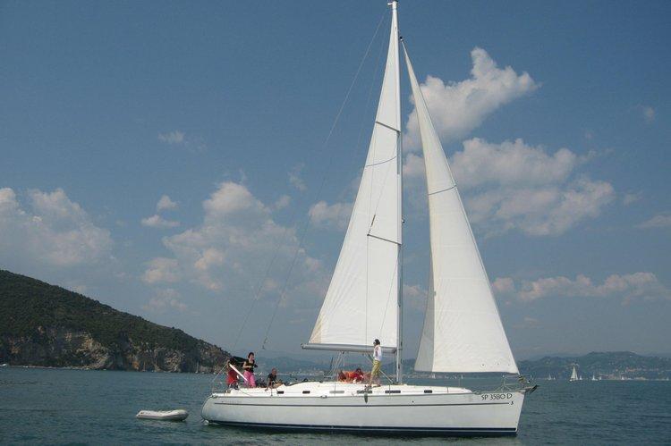 Bareboat on 43 feet sailing boat in Genoa (Italy)
