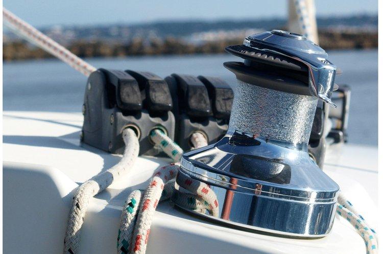 Discover Palma de Mallorca surroundings on this 380 Lagoon boat