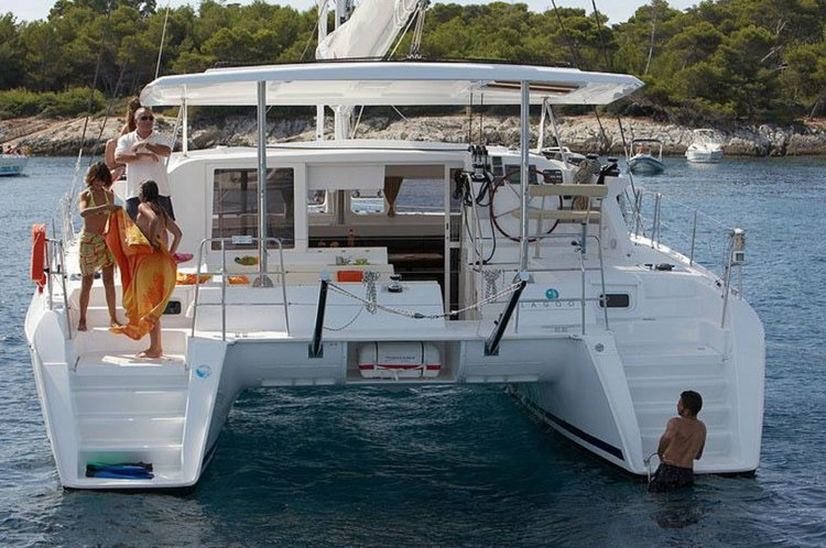 Boating is fun with a Lagoon in Alcantara