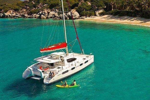 Enjoy Caribbean's waters on this wonderful catamaran !