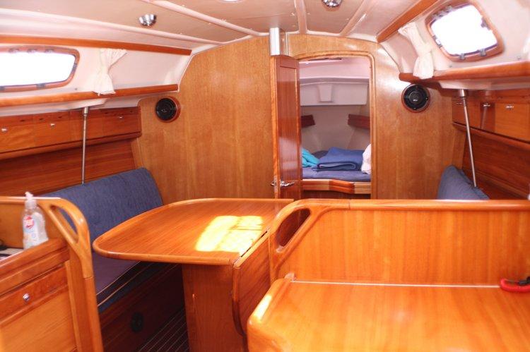 31.0 feet Bavaria Yachtbau in great shape