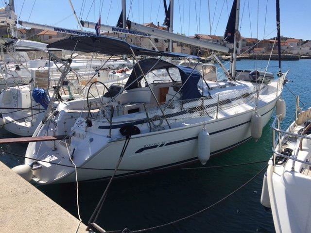 This Bavaria Yachtbau Bavaria 36 Cruiser is the perfect choice