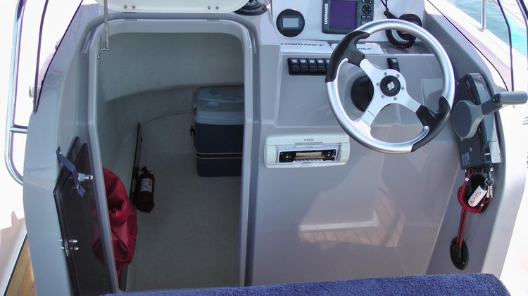This 21.0' Atlantic Marine cand take up to 6 passengers around Split region