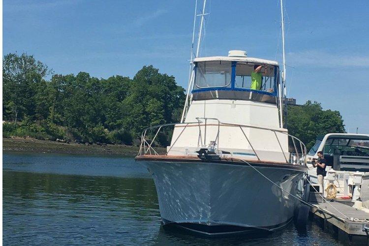 Move around Long Island Sound on this Egg Harbor 48