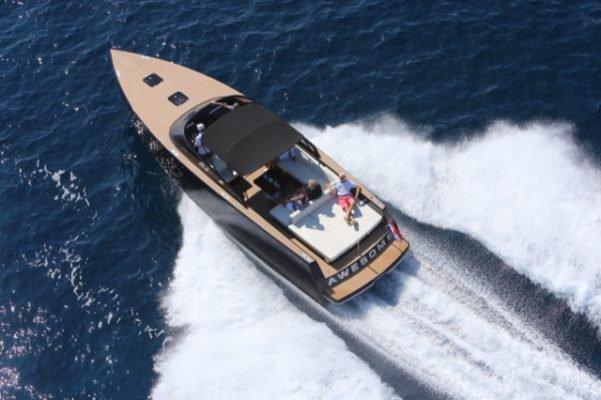 VanDutch's 40.0 feet in Cannes