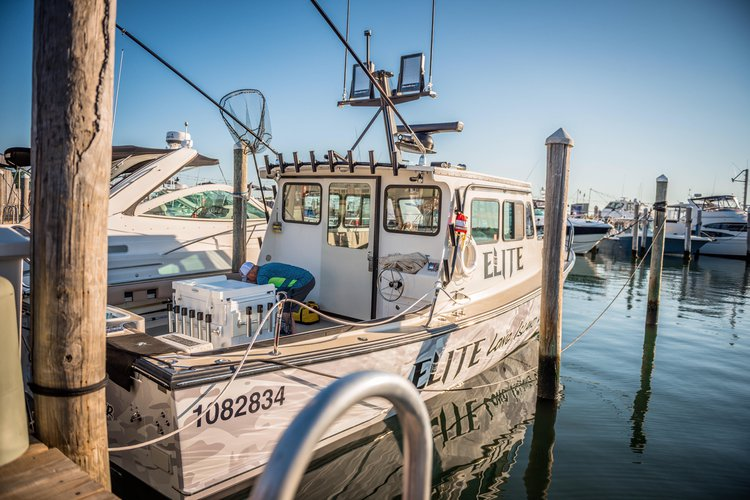 Discover Montauk surroundings on this Downeaster 35 T-Jason boat