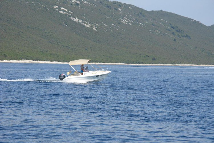 Other boat for rent in Ugljan