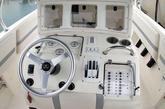 Sail the Greek waters on this beautiful 33'Fountain