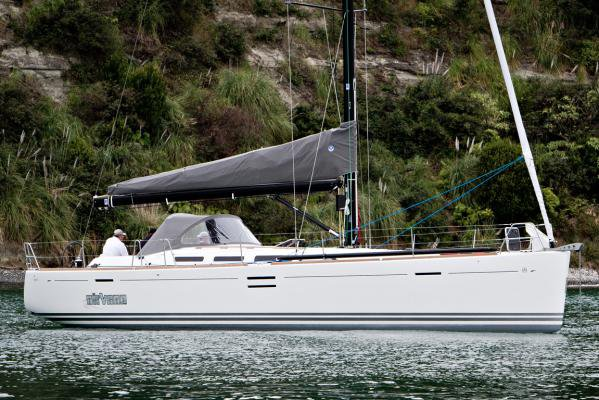 Experience pure luxury & comfort onboard Dufour 45 E