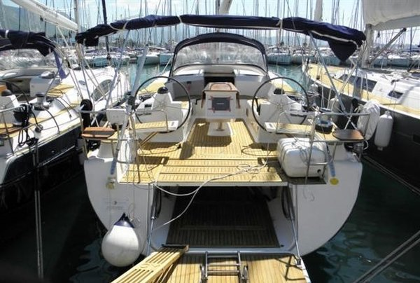 Sail the waters of Saronic Gulf on this comfortable Elan Marine