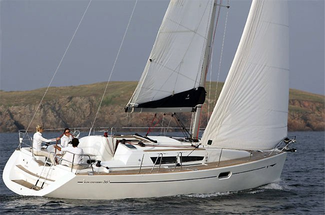 Jeanneau boat for rent in Sicily