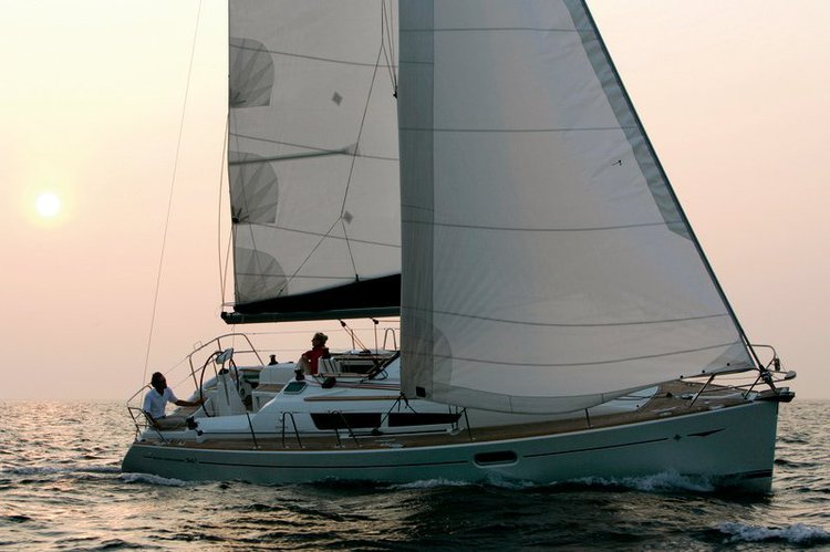 Jeanneau's 35.0 feet in Sicily