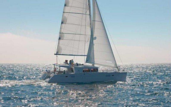 Have fun in Grenada onboard Lagoon 450 F Luxe