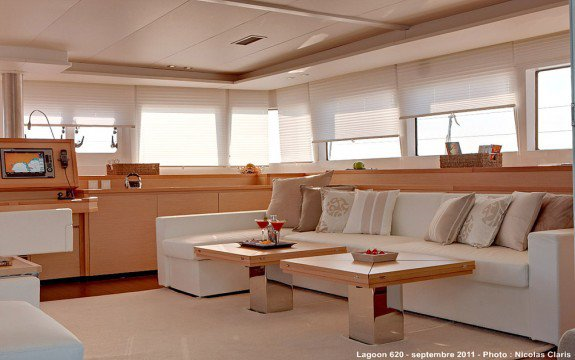This 41.0' Bali cand take up to 12 passengers around Annapolis