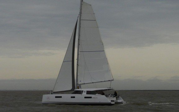 Rent a 40' Nautitech Open in France