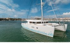 Enjoy your holidays in France onboard Lagoon 400 S2