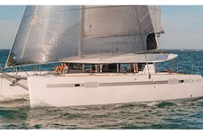Explore The Bahamas onboard Lagoon 450 F Luxe