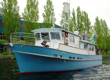 Eat, drink and enjoy in Seattle onboard 50' sleek motor yacht