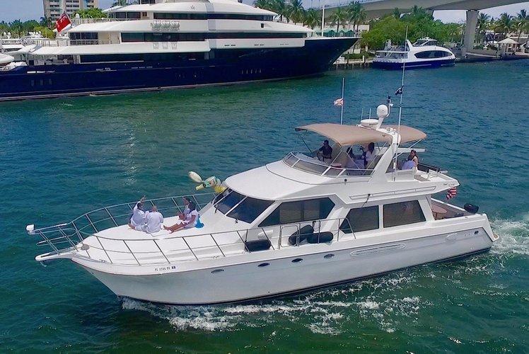 60ft luxury yacht Moonlighter