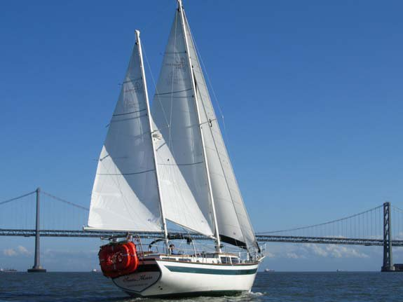 This 41.0' Islander cand take up to 36 passengers around San Francisco