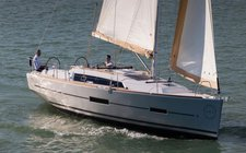Have fun in France onboard Dufour 382 Adventure
