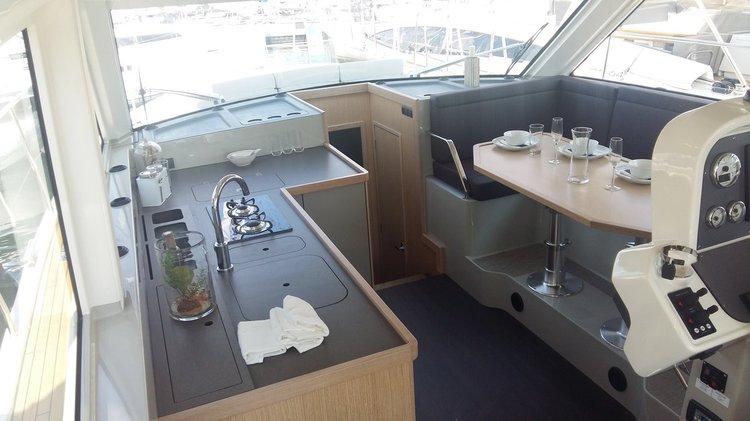 This 40.0' Bavaria Yachtbau cand take up to 7 passengers around Split region