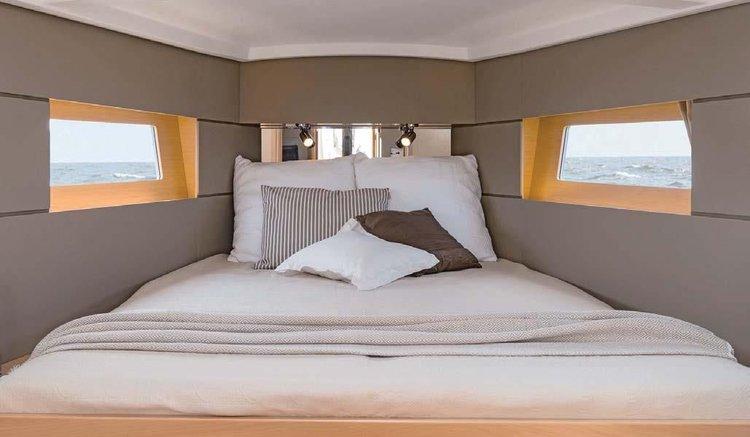 Discover Zadar region surroundings on this Oceanis 38.1 Bénéteau boat