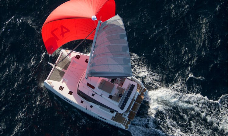 This 47.0' Fountaine Pajot cand take up to 12 passengers around Tenerife