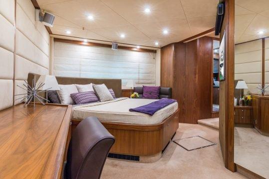 Flybridge boat rental in miami beach marina, FL