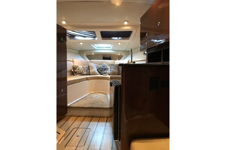 Express cruiser boat for rent in Aventura