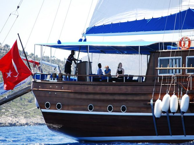 Up to 17 persons can enjoy a ride on this Classic boat