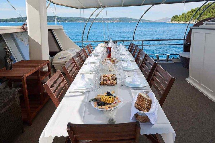 Boat for rent Custom 88.58 feet in Split, Croatia