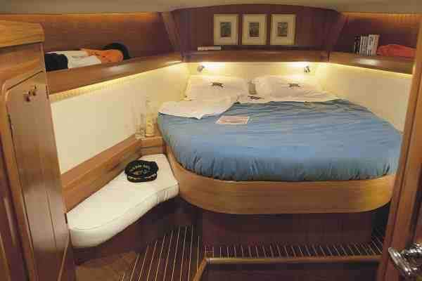 Discover Lecce surroundings on this Grand Soleil 46.3 Del Pardo boat