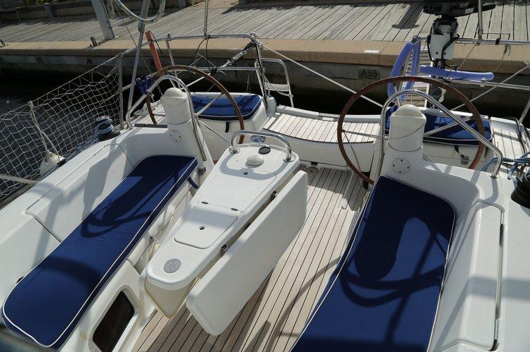 Boat for rent Jeanneau 39.0 feet in Puerto de Alicante, Spain