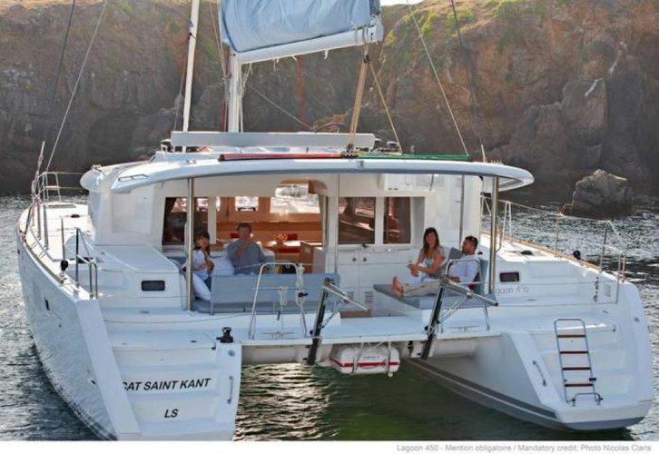 Discover Phuket surroundings on this Lagoon 450 Custom boat