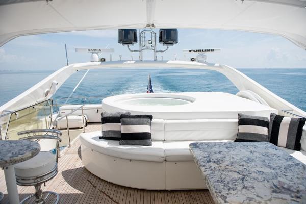 Discover Miami Beach surroundings on this Ferretti 90 Ferretti boat