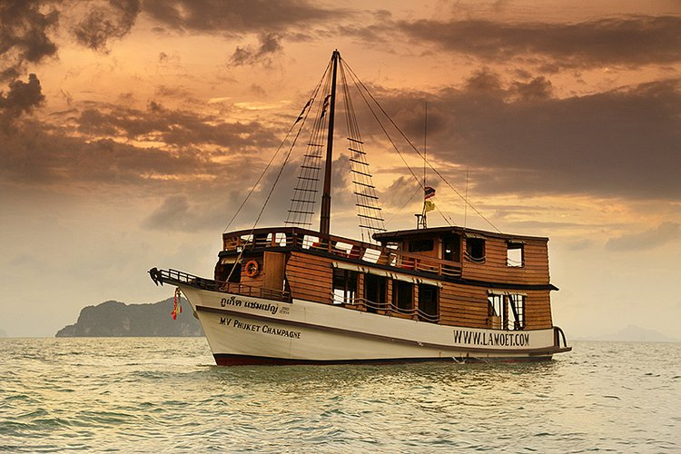 Explore Phuket & Phang Nga bay on board a comfortable relaxed boat