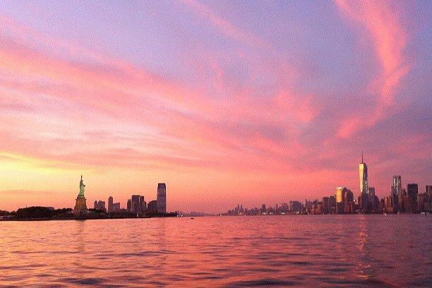 Cruiser boat rental in Pier 25 Manhattan, NY