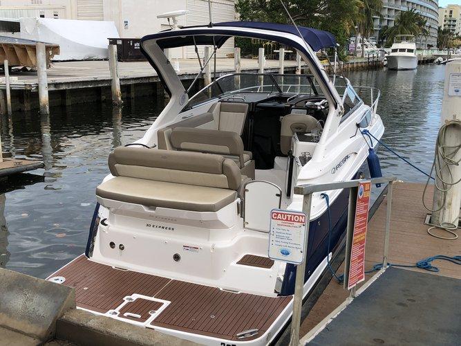 Express cruiser boat rental in Aquamarina Hi-Lift, FL