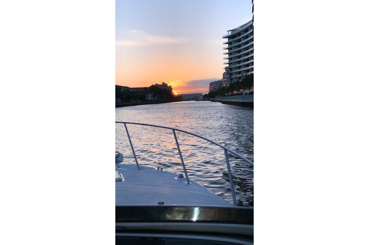 Boating is fun with a Express cruiser in Aventura