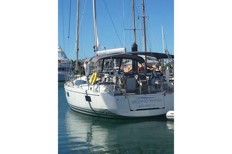 This 54.0' Jeanneau cand take up to 8 passengers around Nanny Cay