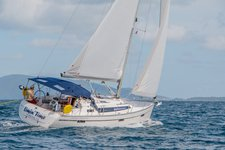 Sail through the British Virgin Islands aboard this superb 37