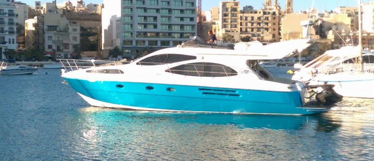 Explore the luxury around Maltese lovely islands aboard Azimut 46 Fly