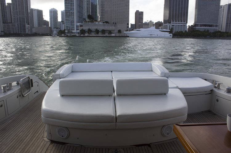 Azimut boat for rent in New York