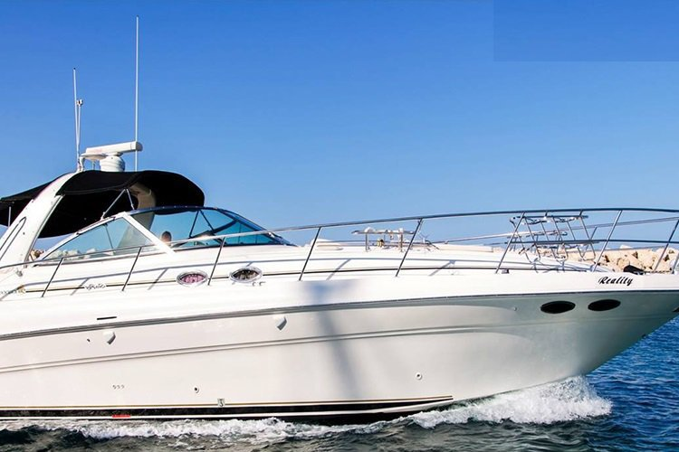 Experience the super luxury and comfort aboard  Sea Ray 455