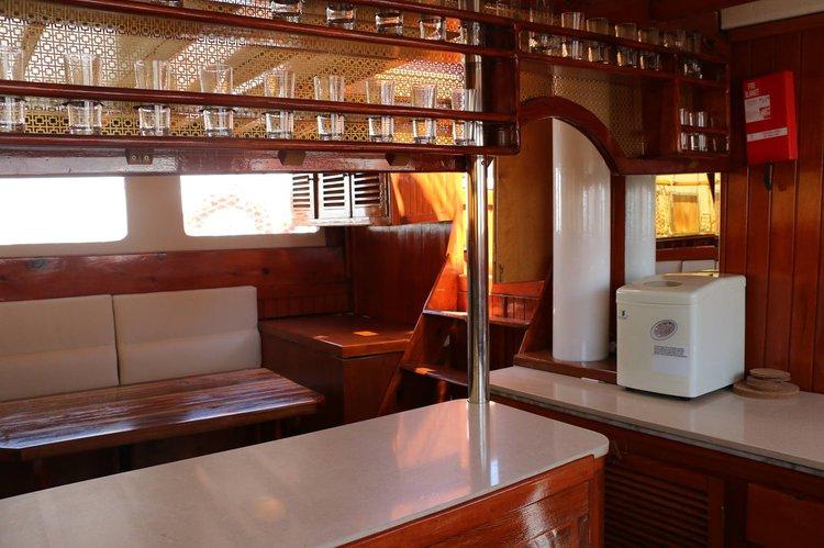 This 72.17' Custom cand take up to 12 passengers around Larnaca