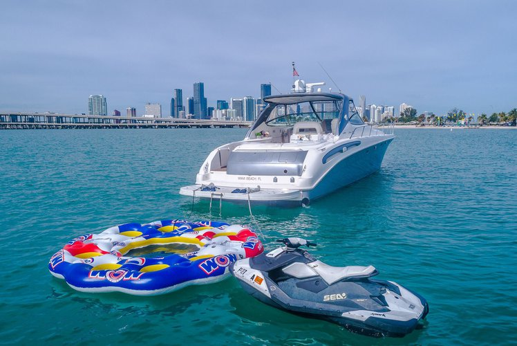Rent a Luxury Yachting Experience! 58' SeaRay (2)