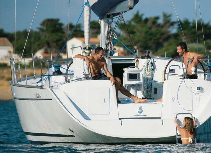 Boat for rent Beneteau 43.3 feet in Portomaso Marina, Malta